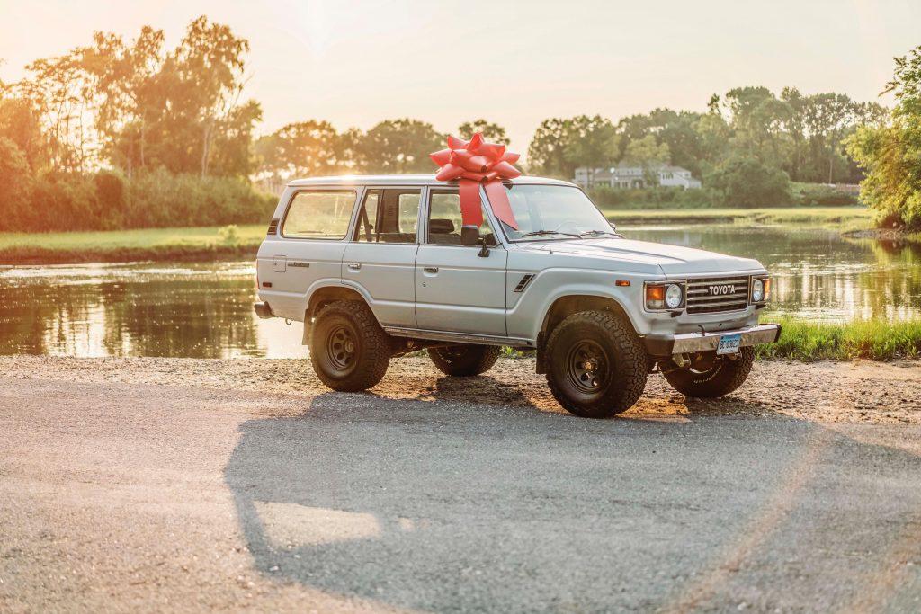 Gift Car Bow